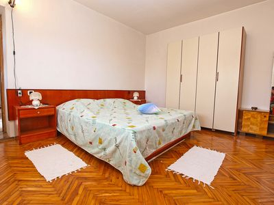 Photo for Apartment for 4 persons + extra bed and 2 bedrooms (ID 2024)