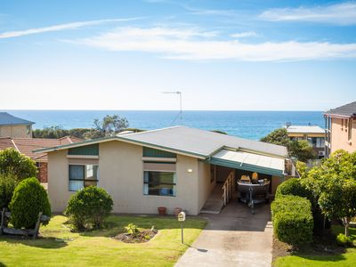 Photo for Great ocean views - cosy pet friendly beach house in Kianga