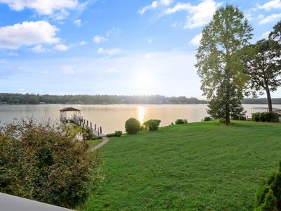 Photo for Sit Back Enjoy Sandy Beach, Pool Table w/ Family/Friends 4 Bd, 3.5 BA Lake Front