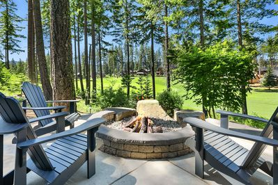 Bootjack Inn - Gas fire pit overlooking the golf course.