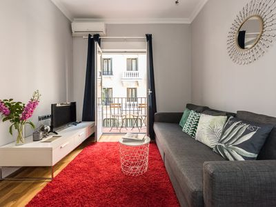 Photo for Two steps from the Gran Vía. Central and comfortable. Perfect for a tourist stay.