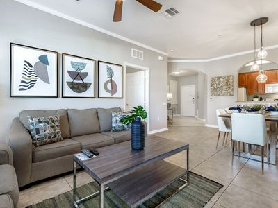 Photo for Beautiful Vista Cay condo located just minutes Universal and I-Drive!