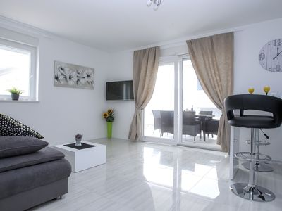 Photo for Deluxe Two-Bedroom Apartment with Terrace