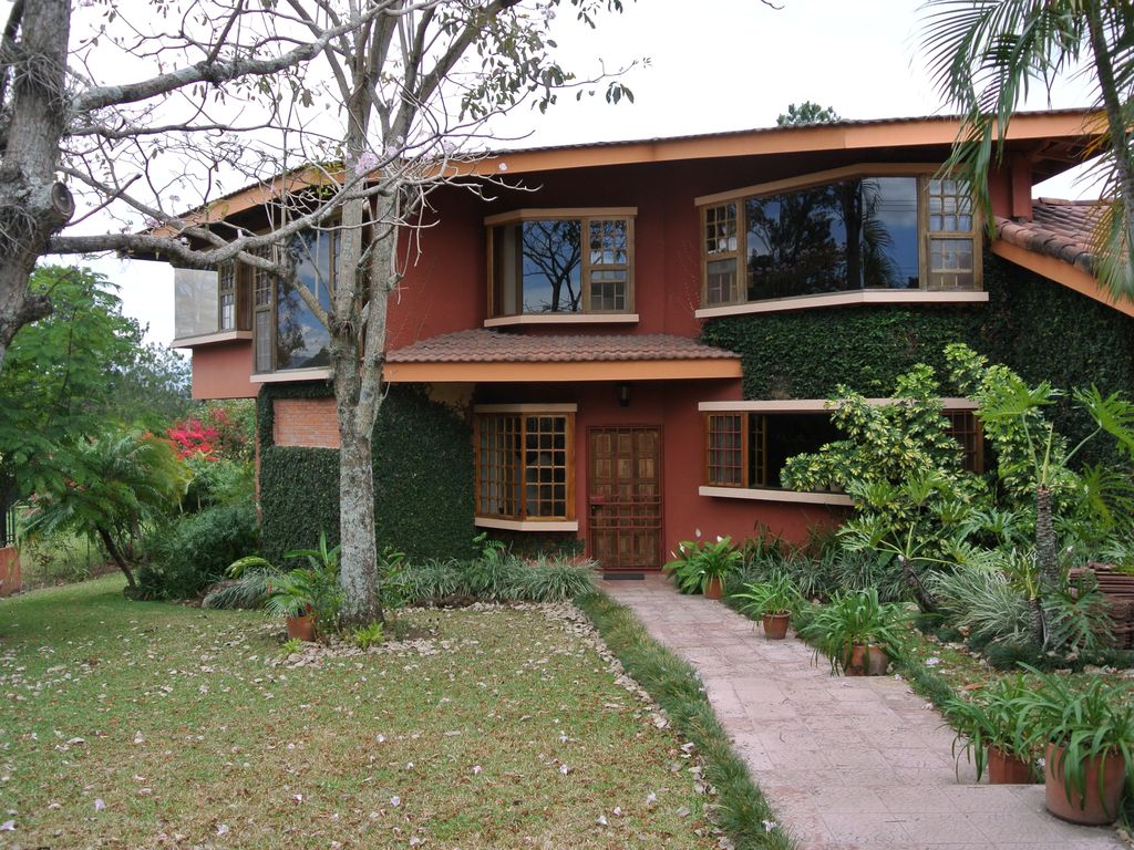 Beautiful and cozy house in Escazú, ideal for medical treatment stays in CR  - Escazu