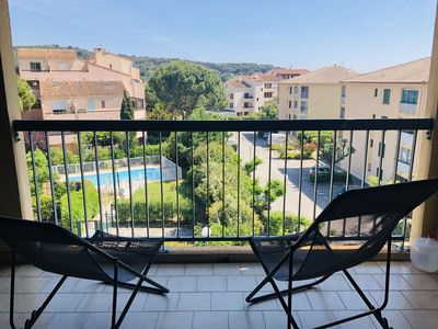 Photo for 2BR Apartment Vacation Rental in Sanary-sur-Mer, Provence-Alpes-Côte d'Azur