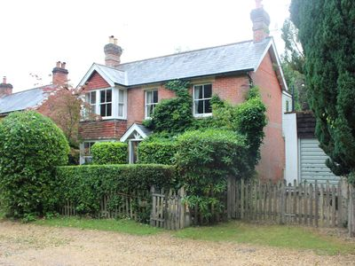 Photo for Peaceful New Forest Cottage with 3 en-suites and walking distance to Burley