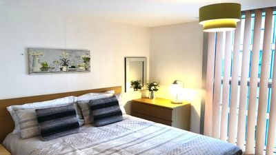 Photo for Spacious 2 bed 2 bath serviced apartment- sleeps 6