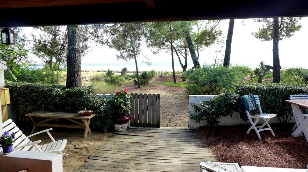 TYPICAL VILLA in 1st LINE 44 HECTARES at the tip of Cap Ferret, Lege ...