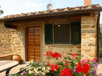 Photo for Stunning private villa with WIFI, A/C, private pool, TV, washing machine, parking, close to Cortona