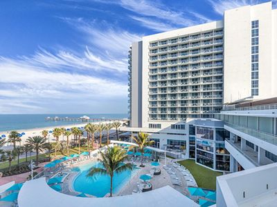 Photo for Clearwater Beach Front, One Bedroom Deluxe Condo (A478)