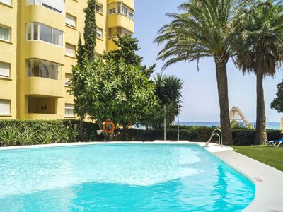Photo for Nice apartment for 4 guests with pool, A/C, WIFI, TV, balcony and parking