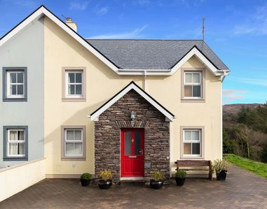 Photo for Salmons Leap Holiday Home, Sneem Village, Ring of Kerry