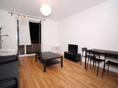 Photo for Central Lovely 2ROOM Apartment for 4/TRAIN STATION