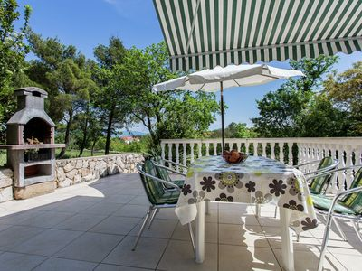 Photo for Nice apartment on the outskirts of Silo with spacious terrace and beach at 600m