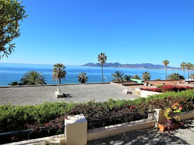 Photo for apartment 145 m2 facing the sea/private access to the seaside