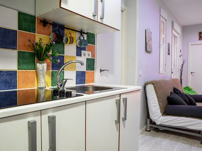 Photo for Cozy Sleeps 6 in Madrid City Center - 3 min from tube