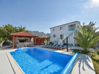 Photo for Lovely apartment for 12 guests with WIFI, private pool, A/C, TV and parking