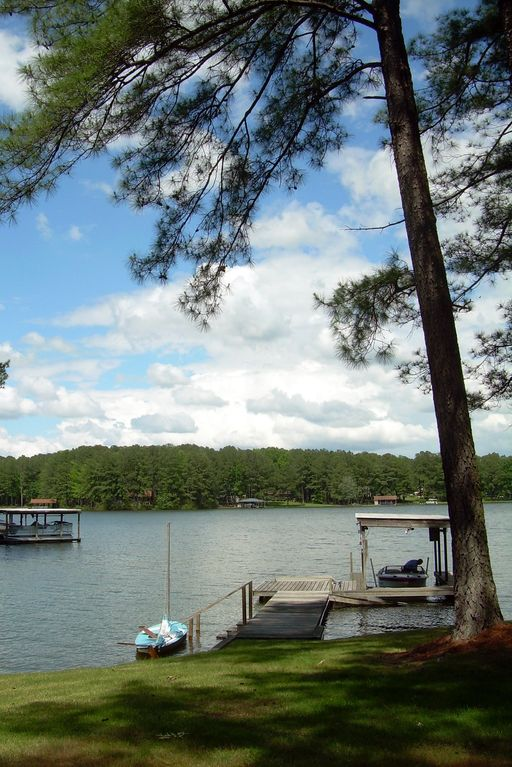 Family friendly vacation home on lake gasto homeaway Lake gaston rentals with swimming pool