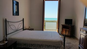 """Holiday Apartment Antona """"Apartment 3G"""" 150 m from the sea, WiFi Free, Best price"""