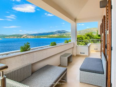 Photo for Lovely seaside villa with private pool near Trogir
