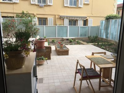 Photo for Charming apartment, garden, private parking