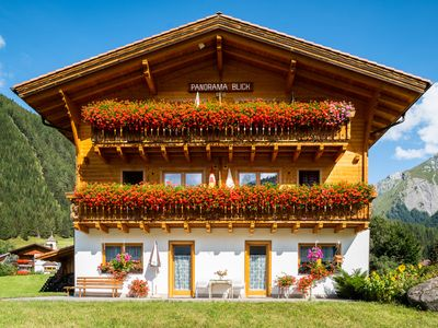 Photo for Apartment with panoramic views in Kals in Grossglockner Resort Kals Matrei