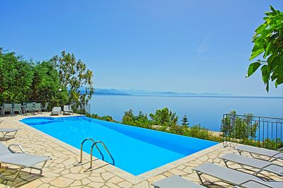 Private pool and stunning views