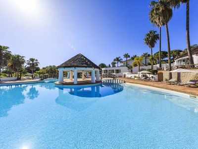 Photo for 2 bedroom Apartment, sleeps 4 in Quinta do Lago with Air Con and WiFi