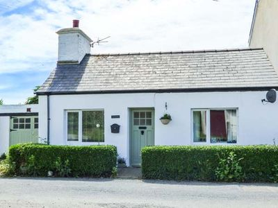 Photo for PANTGWYN, pet friendly, with open fire in Llanon, Ref 929321