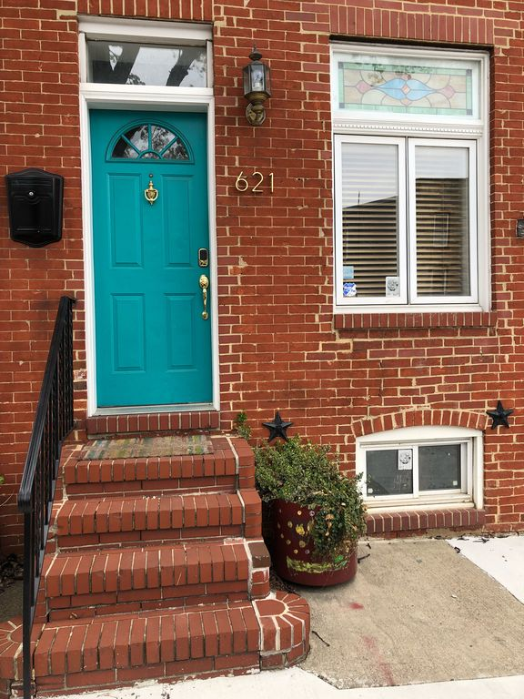 Welcome Traditional Baltimore City Rowhome
