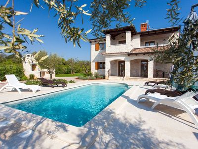 Photo for Villa with private pool in Tar-Vabriga, just 2 km from the beach