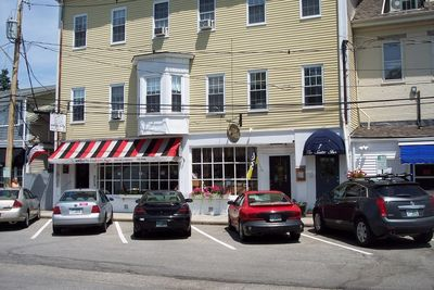 Park your car and explore Wolfeboro on foot!