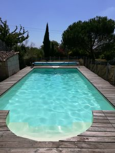 Photo for Quiet Charentaise house with pool