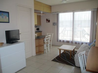 Photo for Apartment for 4 pers. 1 ch. Large Terrace exp. South with Pool La Rochelle