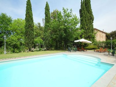 Photo for Perugia Apartment, Sleeps 4 with Pool, Air Con and WiFi
