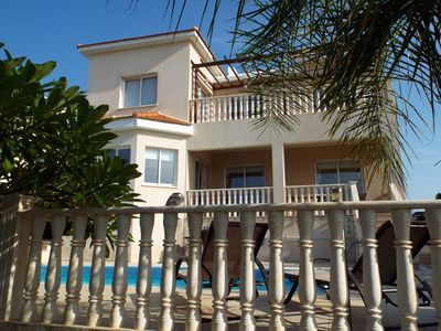 Photo for FREE CAR HIRE AND TRANSFERS Villa with Pool and Sea Views, close to Coral Bay