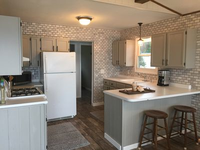 Remodeled Cottage on Crooked Lake - Sleeps 6
