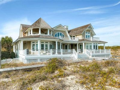 Photo for Located in East Beach area of the island, Loggerhead Lady offers beautiful vast ocean views.