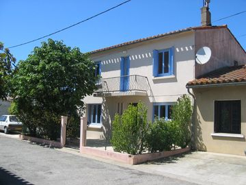 Search 669 holiday rentals