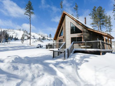 Cozy Cabin on a Wonderful Lot w/ View of Deer Mountain - Close to Trails!
