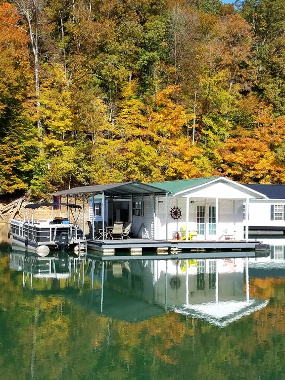 Fine Beautiful Floating Home On The Prestine Fresh Waters Of Norris Lake Big Creek Interior Design Ideas Greaswefileorg