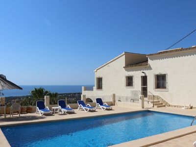 Photo for Private 450m² villa for up to 16 people, 5x10m pool, superb sea view, very quiet