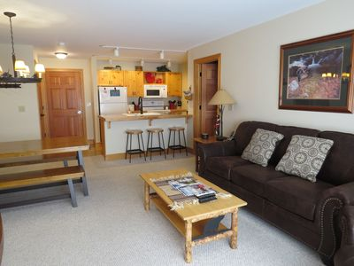 Photo for Upgraded End Unit! New King Bed! New Furnishings! Hot tubs!  National Parks!