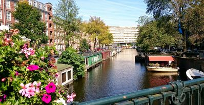 Photo for Comfortable warm family-houseboat near Centre/Jordaan with sunny terrace
