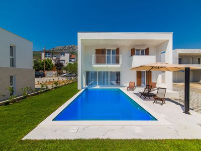 Photo for Villa Tina, a very modern and tastefully decorated four bedroom holiday house
