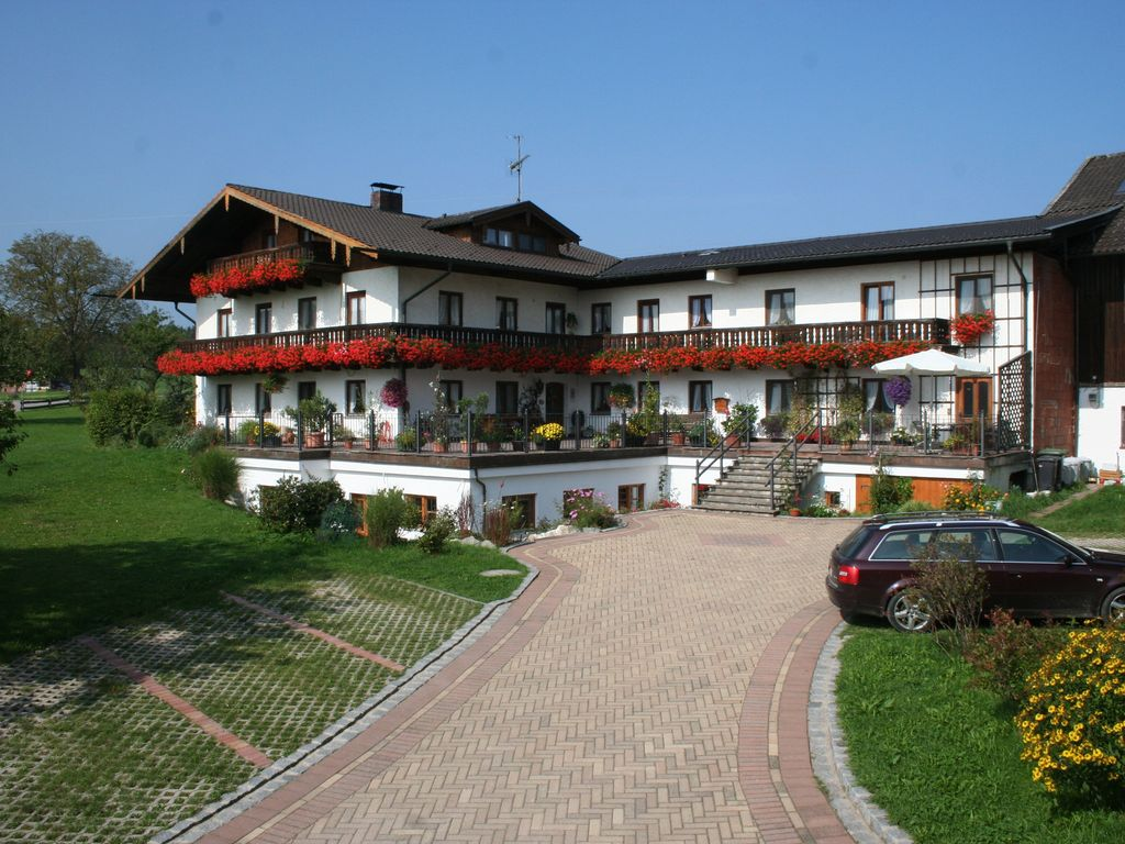 An idyllic holiday paradise - relaxation between Chiemsee and the Bavarian Alps, Photo 1