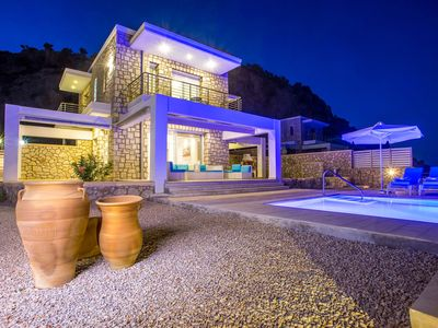 Photo for Beautiful new luxury villa near coast with pool and sea view, close golf course