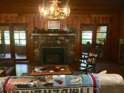 Charming Twain Harte Cabin: Relax, Walk to Lake, Ski at Dodge Ridge!