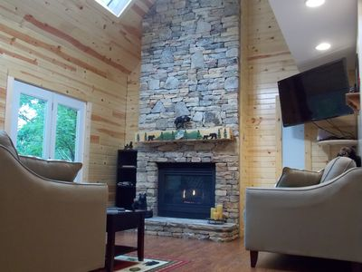Photo for Elijah's Cabin 1 mile from Parkway has: Theater, Pool Table, Hot Tub, Pool, Wifi