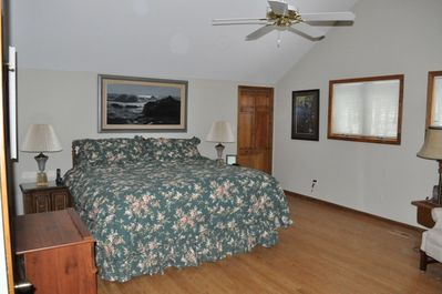 TOP LEVEL MASTER SUITE BEDROOM KING SIZE BED